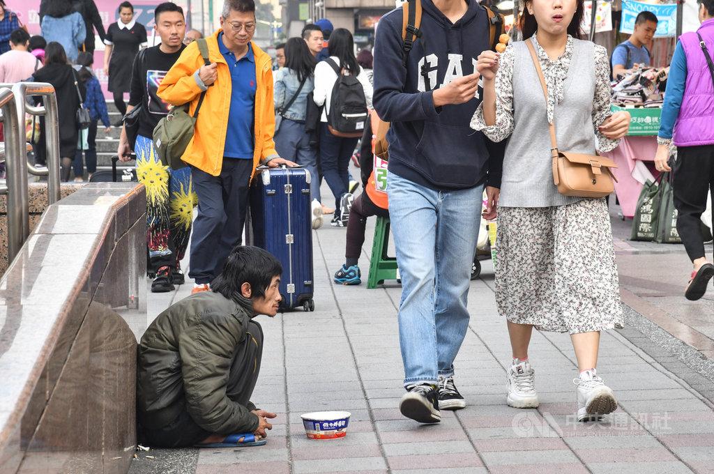 行政院主計總處22日發布去年12月失業率為3.67%,經調整季節變動因素後的失業率則為3.72%。中央社記者林俊耀攝 109年1月22日