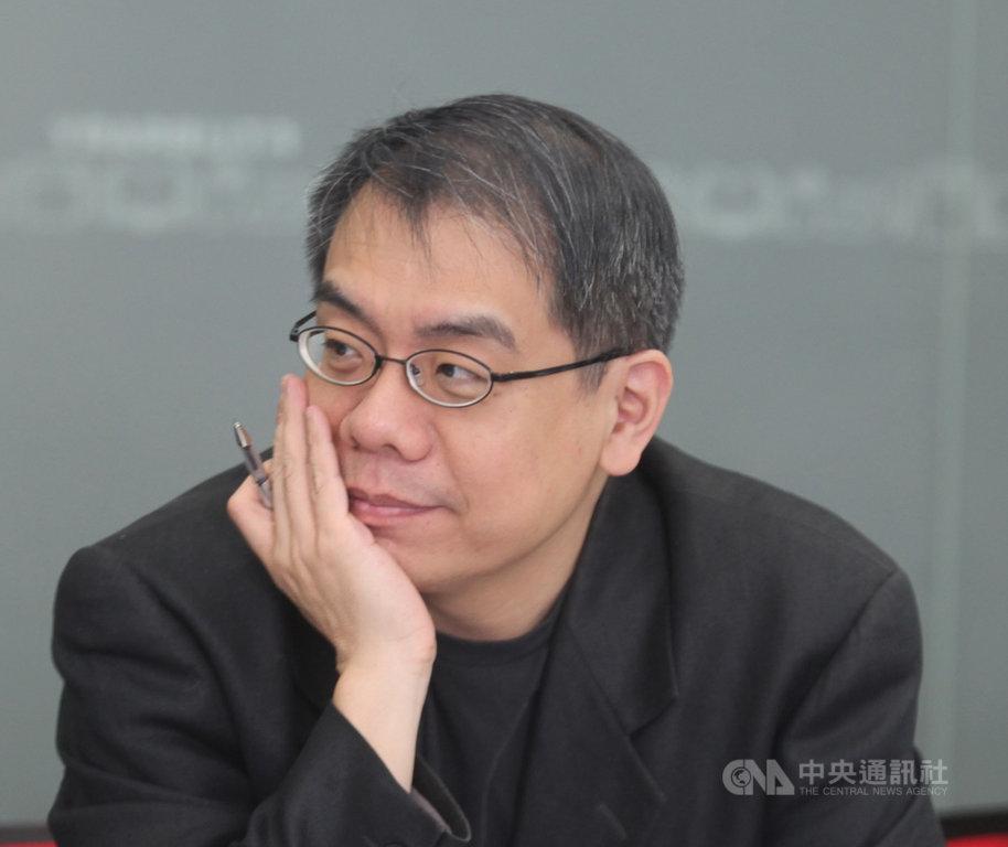 作家楊照與國立台灣交響樂團合作推出「你所不知道的貝多芬」系列講座音樂會,介紹貝多芬編制較為特別的室內樂。(國台交提供)中央社記者趙靜瑜傳真 109年1月23日