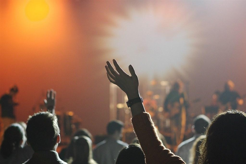 樂評人馬世芳認為,台灣樂團的「中國腔」只是歌者自覺最合適的唱法。(示意圖/圖取自Pixabay圖庫)