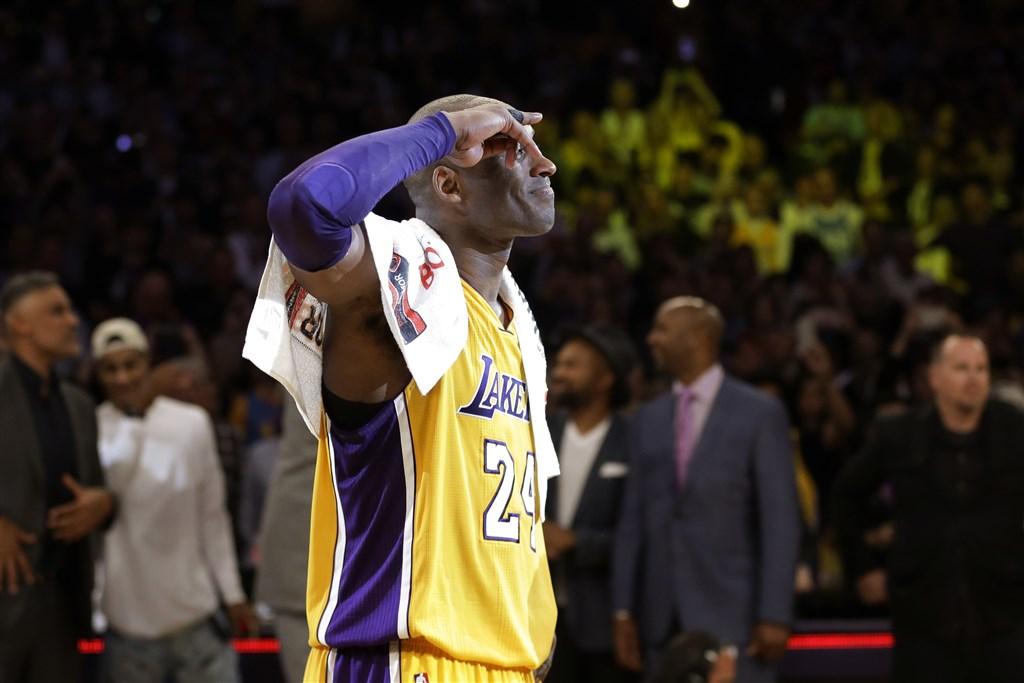 美國職籃NBA洛杉磯湖人前球星布萊恩因直升機墜機意外驟逝,為紀念他,NBA將他的背號24號融入明星賽,成為要在明星賽拿下勝利的「關鍵密碼」。(美聯社)