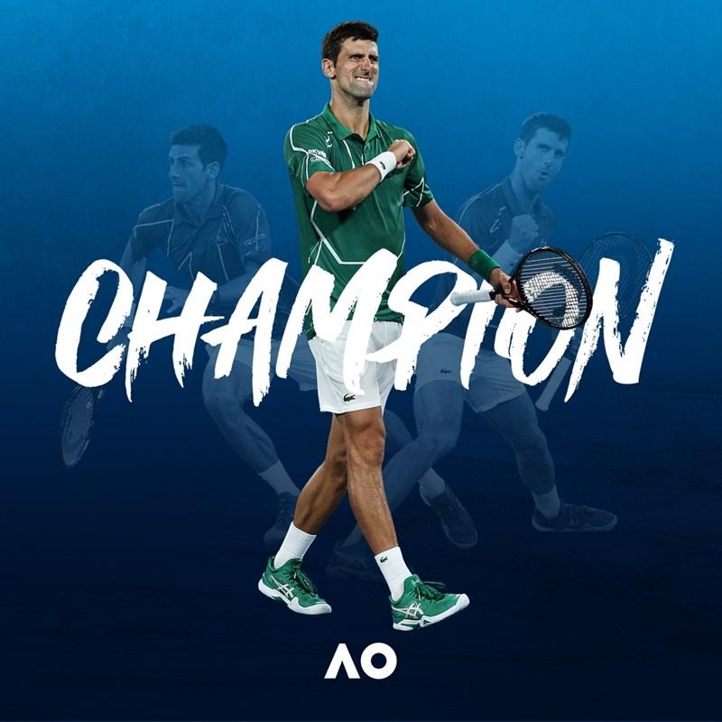 喬科維奇(圖)2日拚戰5盤衛冕成功擊敗奧地利好手提姆,第8度在澳洲公開賽封王,這也是他生涯奪得的第17座大滿貫賽金盃。(圖取自mobile.twitter.com/AustralianOpen)