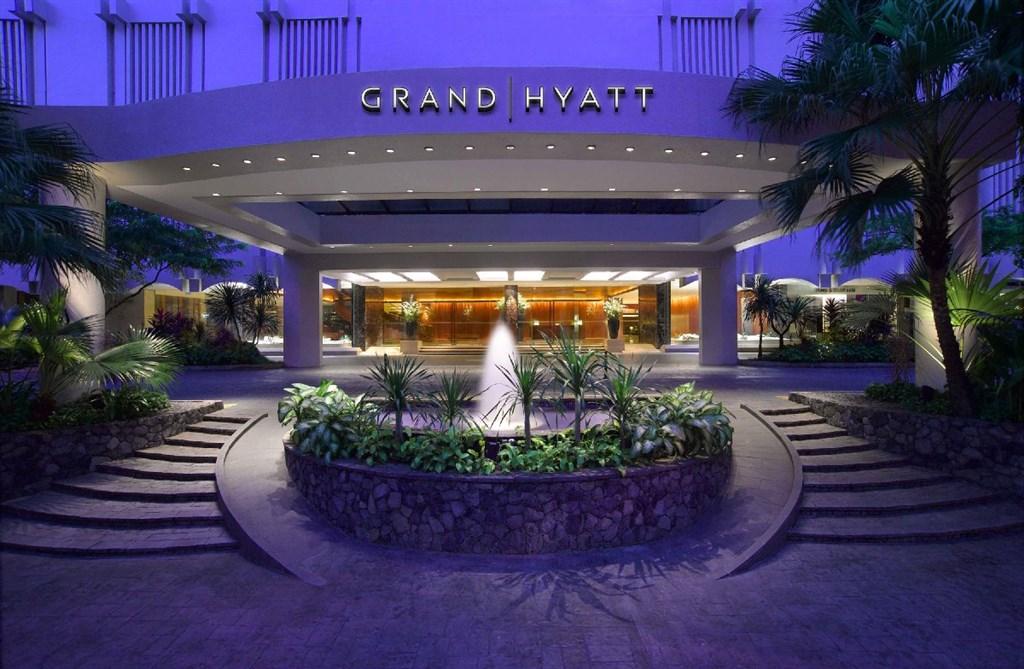 英國氣體分析儀器公司1月在新加坡君悅酒店舉行會議,100多名與會者中3人返國後感染武漢肺炎,出席會議者也包含台灣人。(圖取自facebook.com/GrandHyattSingapore)