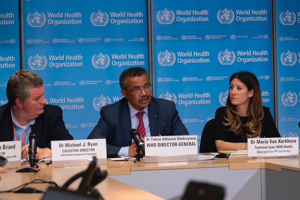 WHO下週將邀全球400位專家人士舉辦一場論壇,世衛公共衛生緊急計畫執行主任萊恩(左)透露,屆時台灣將會以「線上」方式參加。(圖取自twitter.com/WHO)