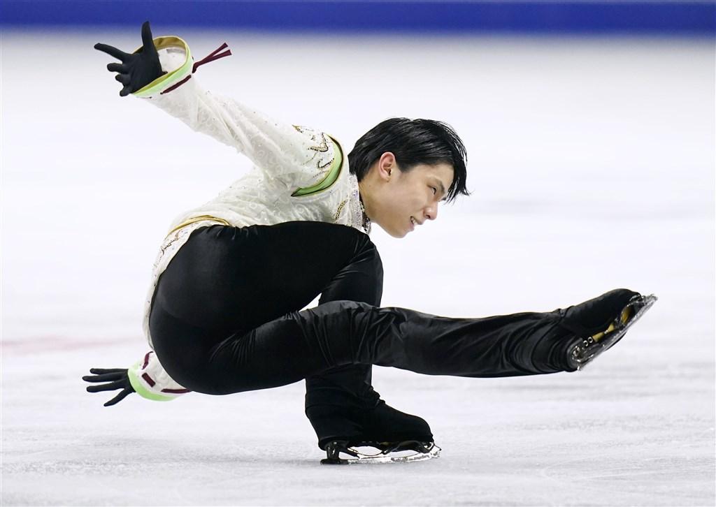 日本男子花式滑冰選手羽生結弦9日首度在四大洲花式滑冰錦標賽男子單人奪冠。(共同社提供)