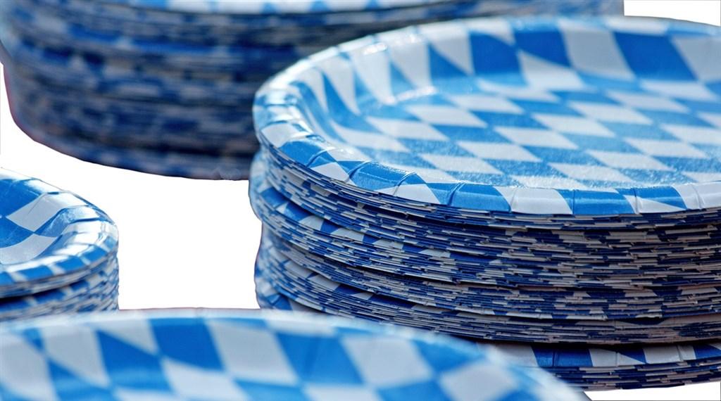 有網路謠言指出,生產口罩將會影響紙類免洗餐具的產能,經濟部強調,兩者原料不同並不影響生產,盼民眾不要轉傳錯誤訊息。(示意圖/圖取自Pixabay圖庫)