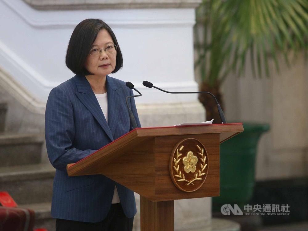 菲律賓14日宣布解除對台灣旅遊禁令,總統蔡英文晚間在臉書肯定菲律賓政府的決定。(中央社檔案照片)
