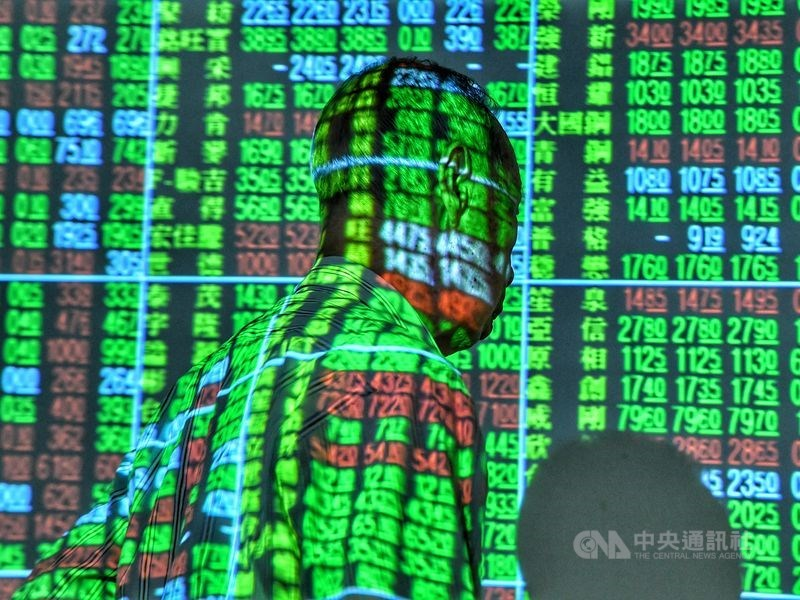 台股17日開盤跌45.40點,加權股價指數為11770.30點。(中央社檔案照片)