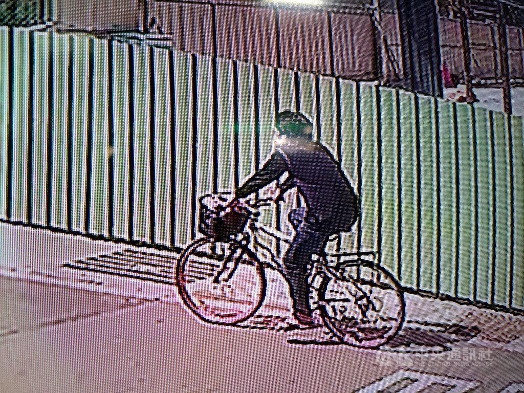 台南市陳姓男子失業缺錢,14日騎著腳踏車當街搶奪86歲老婦的皮包,得手新台幣110元,18日遭警方逮捕送辦。(翻攝照片)中央社記者張榮祥台南傳真 109年2月18日