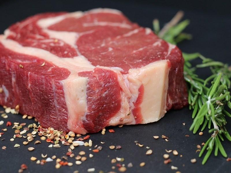 中國政府18日宣布,自3月2日起排除因貿易戰對696項美國商品加徵的關稅,其中包括牛肉、豬肉和特定醫療設備。(示意圖/圖取自Pixabay圖庫)
