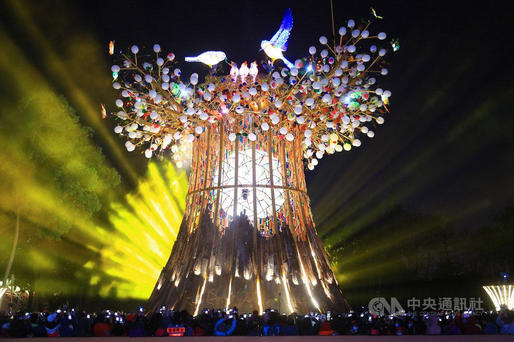 2020台灣燈會23日晚間閉幕,先前傳出台中市政府傾向不保留「森生守護─光之樹」主燈,部分市議員盼市府能夠保留。(市府提供)中央社記者郝雪卿傳真 109年2月23日