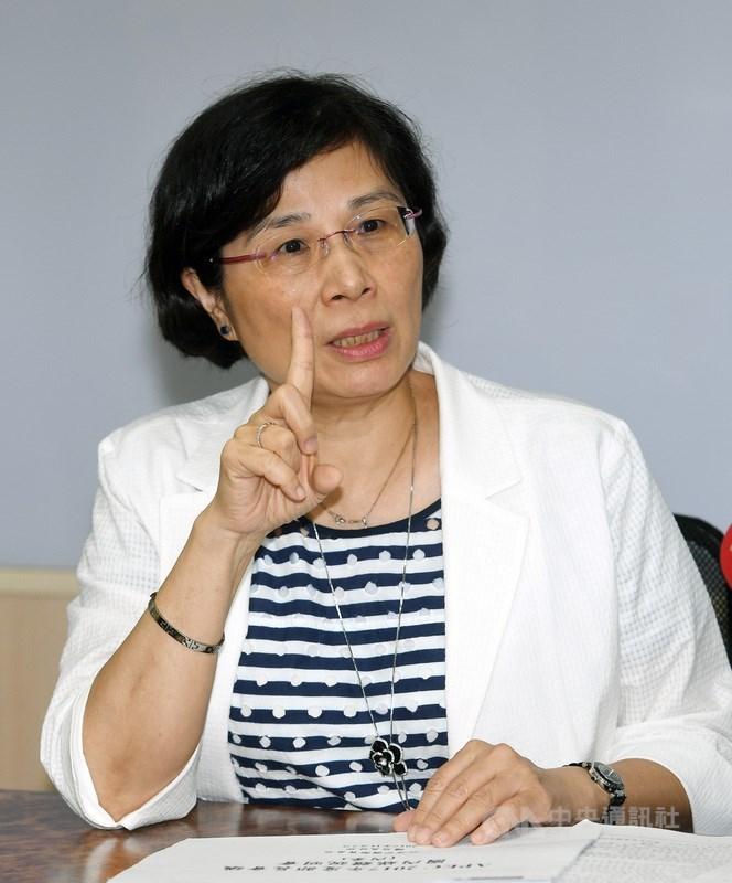 經濟部國際貿易局局長楊珍妮(圖)2日在經濟部舉行記者會,說明APEC年度部長會議努力方向及目標,並回應媒體提問。中央社記者施宗暉攝 106年11月2日