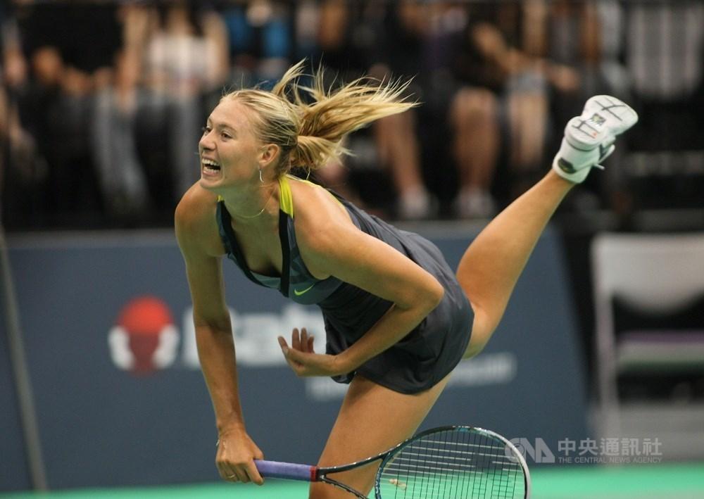 曾5度拿下大滿貫賽冠軍的俄羅斯網球女將莎拉波娃26日宣布退休,告別網壇。(中央社檔案照片)