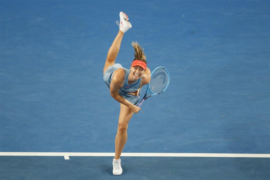 俄羅斯網球名將莎拉波娃26日宣布高掛球鞋引退,19年的職業生涯走到盡頭。(圖取自twitter.com/mariasharapova)
