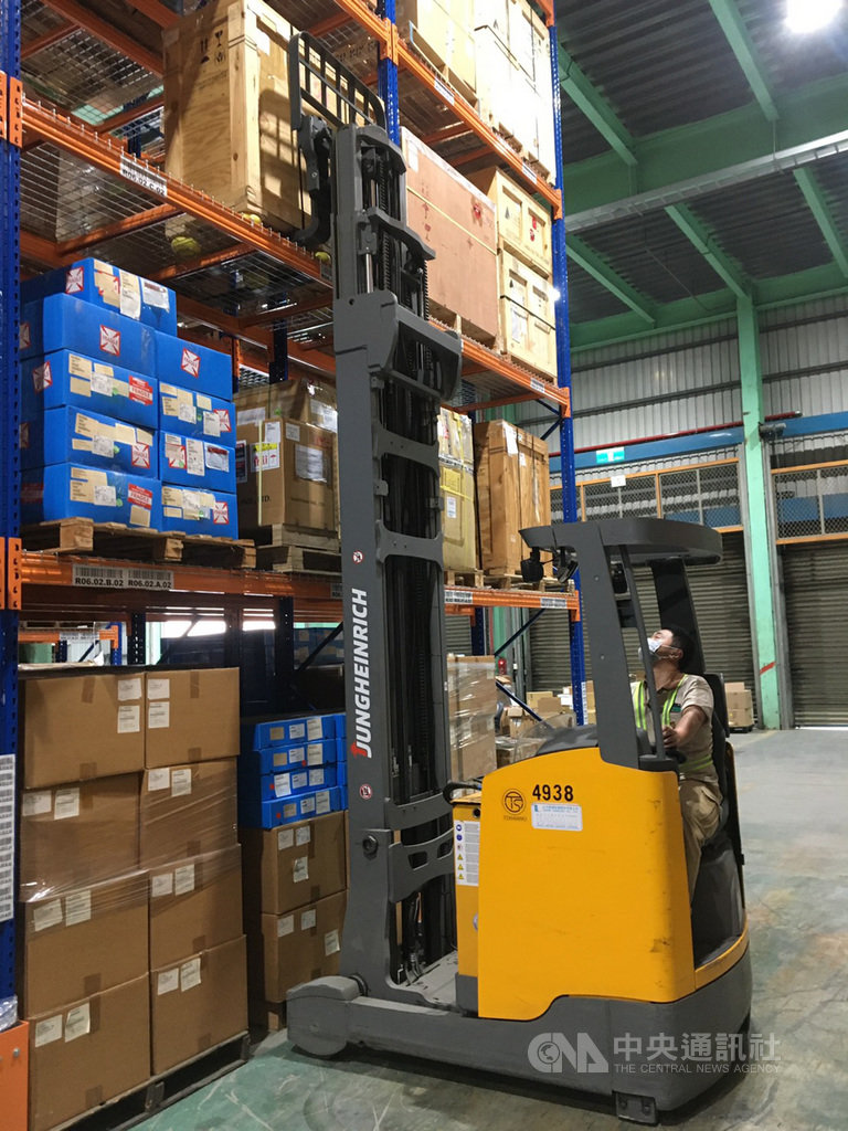 美商快遞業者優比速(UPS)擴大在台物流中心設施,在桃園南崁新建的倉庫日前啟用,估計增加逾3成容量。(UPS提供)中央社記者汪淑芬傳真 109年2月27日