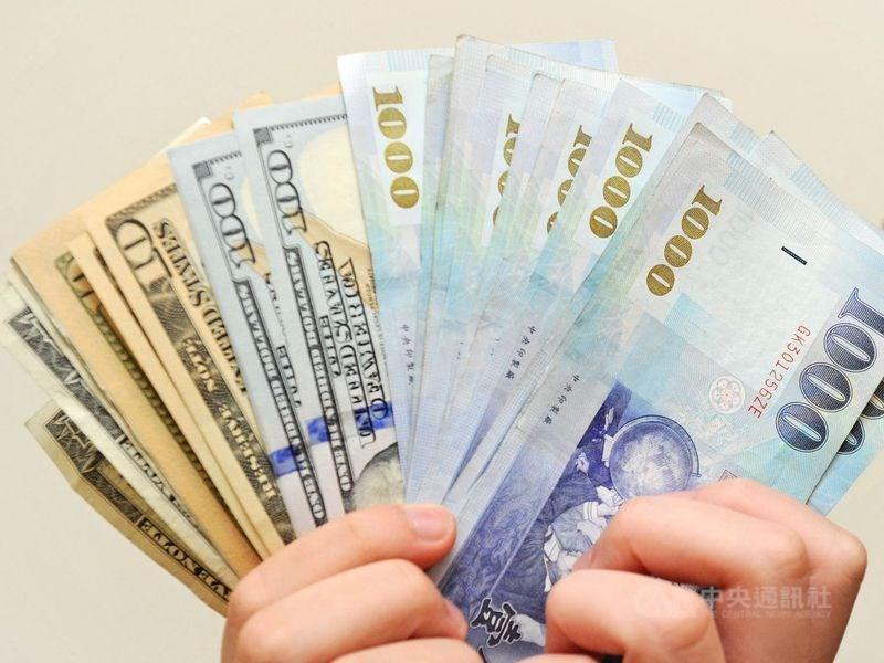 新台幣兌美元27日中午暫收30.296元,升8.7分。(中央社檔案照片)