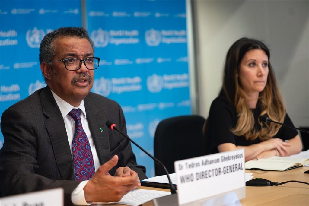 世界衛生組織28日宣布,將2019年冠狀病毒全球風險提升為「非常高」。左為世衛組織秘書長譚德塞。(圖取自twitter.com/WHO)