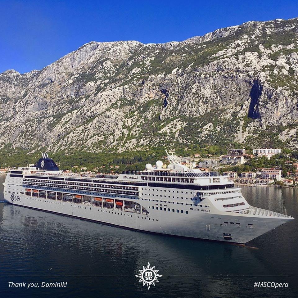 地中海郵輪公司歌劇號一名前乘客下船後確診武漢肺炎,2000名乘客留在船上隔離檢疫。(圖取自facebook.com/MSC.Cruises.International)
