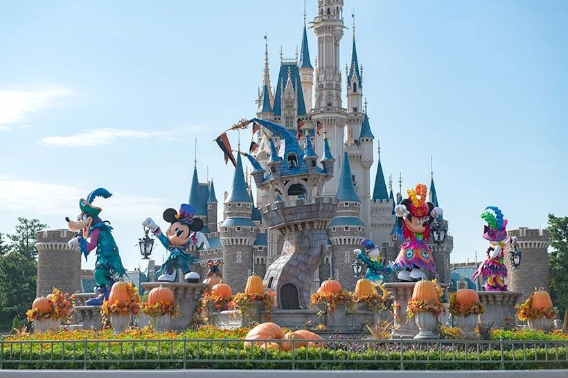 負責營運日本東京迪士尼樂園及東京迪士尼海洋的東方樂園公司11日表示,原本暫訂關閉到3月15日的閉園期間,將延長到4月上旬。(圖取自facebook.com/tdr.jp)