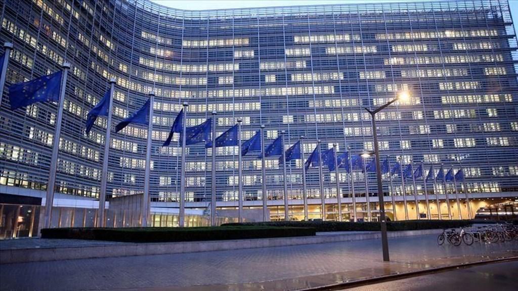 歐盟會員國領導人17日同意實施暫時性外部邊境禁令,未來30天禁止外籍人士在非必要情況下進入歐盟。圖為歐盟總部外觀。(安納杜魯新聞社提供)