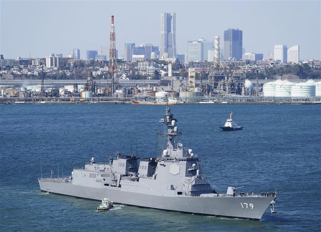 為強化日本周邊空域及太平洋方面空域防空能力,日本海上自衛隊配備的新銳神盾艦摩耶號19日正式服役。(共同社提供)