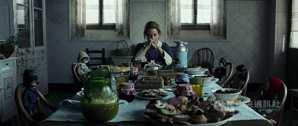 2007年間曾在4天內創下新台幣12億元票房的電影「靈異孤兒院」,將相隔12年登上台灣大銀幕,片中飾演女主角勞拉的貝琳洛達,當時也因拍攝而體重銳減,演出心力交瘁的母親顯得更有說服力。(車庫娛樂提供)中央社記者王心妤傳真 109年3月24日