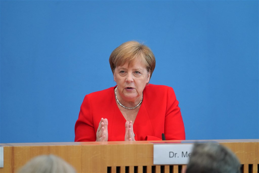 德國總理梅克爾發言人23日表示,梅克爾(圖)自主隔離「狀況良好」,武漢肺炎初步檢測結果呈現陰性。(中新社提供)