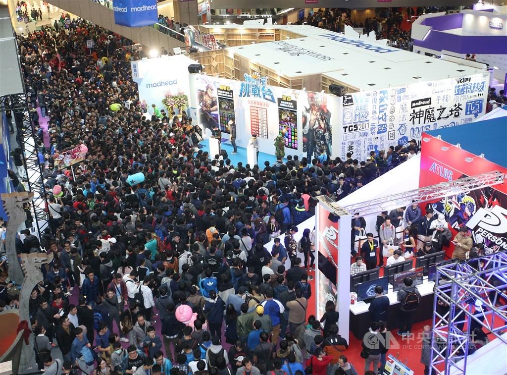2020台北國際電玩展主辦單位25日宣布,由於評估活動具高風險性,決定停辦。圖為2017台北國際電玩展。(中央社檔案照片)