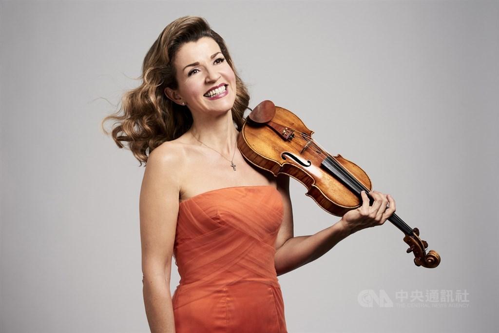 樂壇公認的德國「小提琴女神」安-蘇菲.慕特26日透過社群媒體表示,她已確診武漢肺炎。(中央社檔案照片)