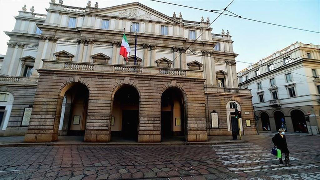 義大利30日通報,最新證據顯示,數週封鎖措施可能已收到減緩武漢肺炎疫情傳播之效,因此封鎖將至少延長到4月12日。圖為義大利街頭民眾戴口罩防疫。(安納杜魯新聞社提供)