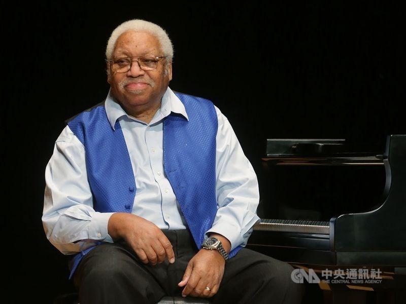 武漢肺炎疫情蔓延全球,美國爵士鋼琴大師艾利斯.馬沙利斯染病後不幸病逝,享壽85歲。(中央社檔案照片)