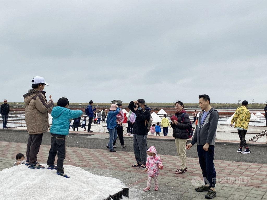 台南市政府觀光旅遊局3日統計,清明連假首日,台南許多景點湧進數千人次遊客,大型飯店及民宿也有8成的住宿率。(台南市政府觀光旅遊局提供)中央社記者張榮祥台南傳真 109年4月3日