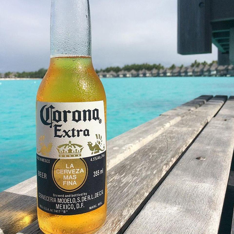可樂娜釀酒商2日說,鑑於武漢肺炎疫情引起的公衛緊急狀況,可樂娜啤酒將停產。(圖取自facebook.com/CoronaUSA)