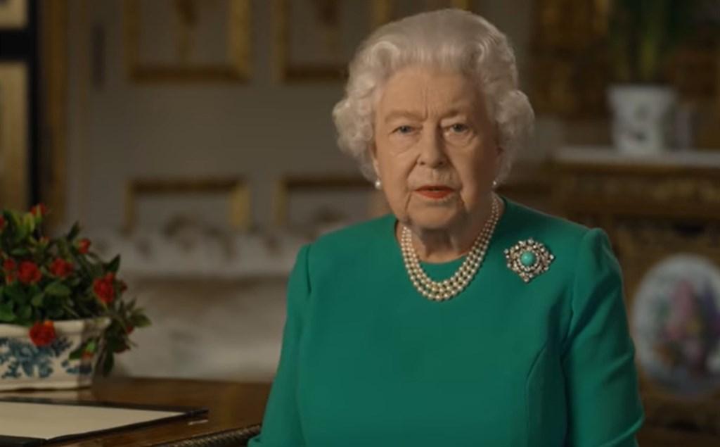 英國女王伊麗莎白二世5日發表罕見特別演說,溫情替英國人民加油打氣、感謝醫護人員的付出,也敦促人民面對疫情帶來的挑戰,表示「我們將會成功」。(圖取自facebook.com/TheBritishMonarchy)