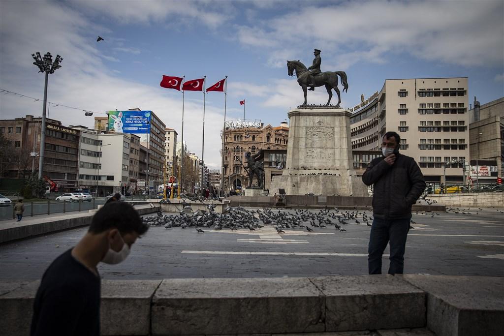土耳其6日採檢2萬1400例武漢肺炎疑似病例,通報3148例確診,新增病例數已連續4天創新高。(安納杜魯新聞社提供)