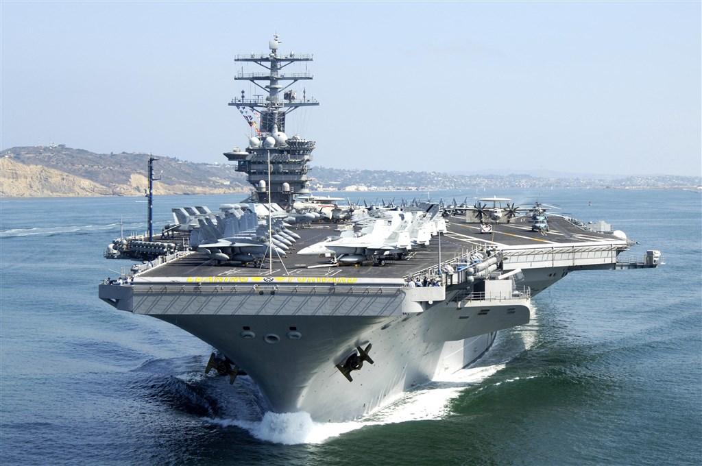 美國媒體Politico今天報導,航空母艦尼米茲號(圖)一名船員上週確診武漢肺炎,成為美國第4艘染疫的航空母艦。(圖取自美國海軍網頁navy.mil)