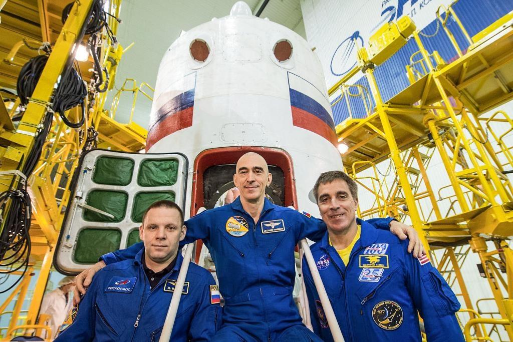 美俄兩國3名太空人9日搭乘太空船發射升空,前往國際太空站。(圖取自twitter.com/NASA)