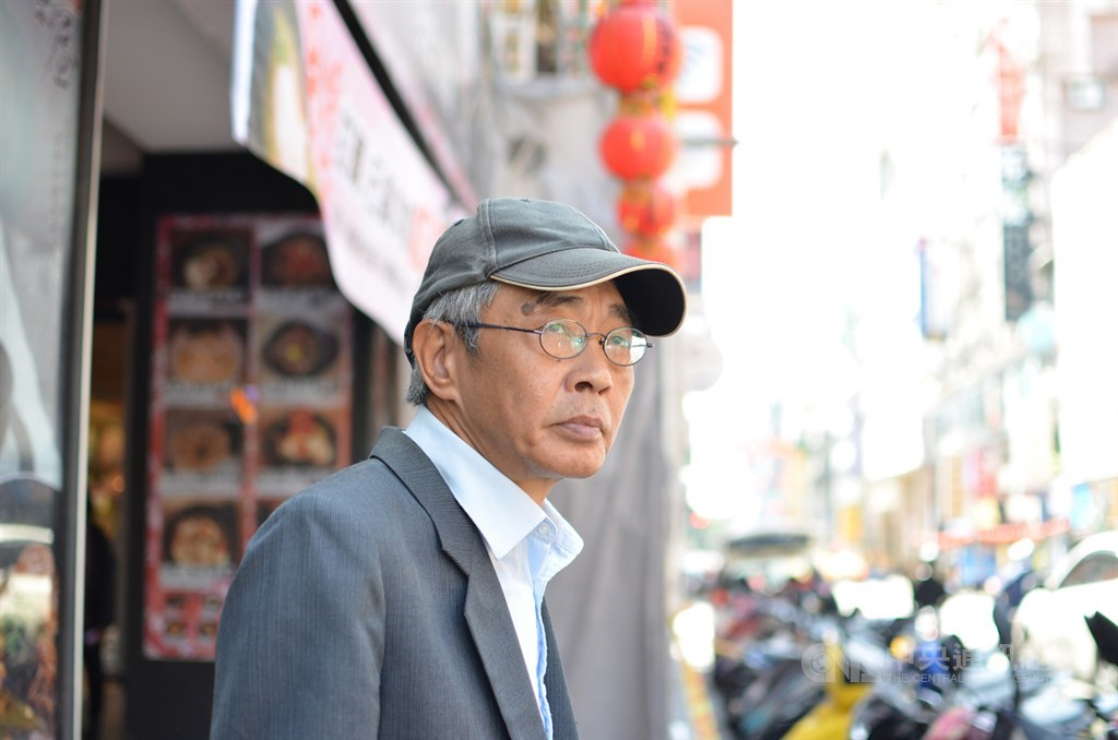 前香港銅鑼灣書店店長林榮基(圖)25日將在台北重開書店,不料他21日上午在中山區吃早餐時,突然遭不明人士潑紅漆。(中央社檔案照片)