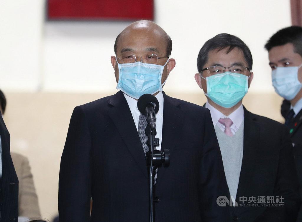 行政院長蘇貞昌(前)24日上午在立法院表示,台灣防疫作戰,目前疫情都還在控制範圍內,台灣也因有效控制疫情,「台灣模式」備受各國肯定。中央社記者張皓安攝 109年4月24日