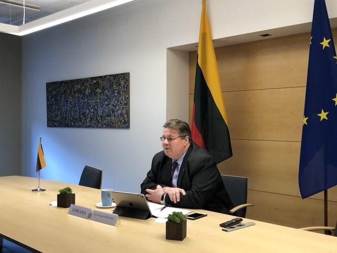 立陶宛外長林克維丘斯13日在個人推特上表示,他和世界衛生組織秘書長譚德塞對話,強調台灣的防疫經驗對世衛具有價值。(圖取自twitter.com/LinkeviciusL)