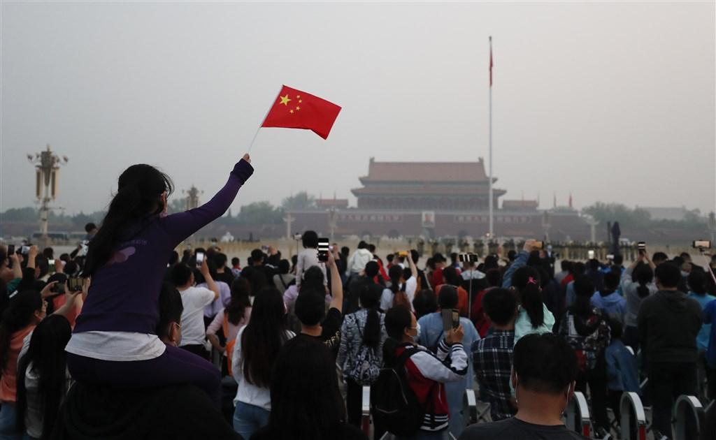 加拿大駐中國大使鮑達民說,中國外交大軍的戰狼外交,反讓北京和其他國家疏離。圖為中國北京天安門廣場。(中新社提供)