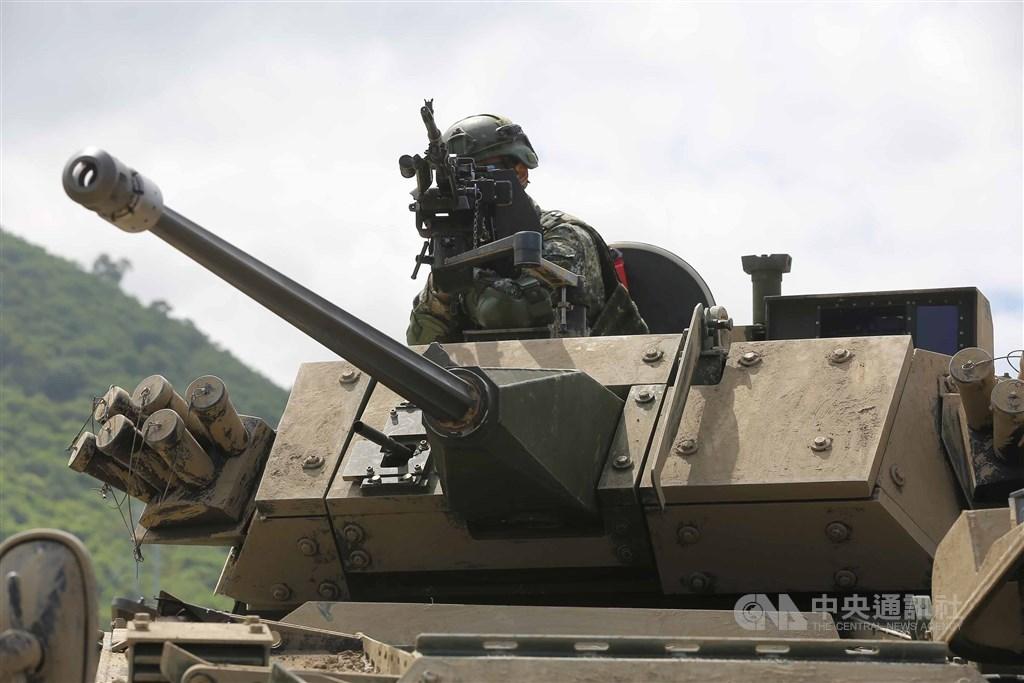 30公厘鏈砲雲豹八輪甲車的砲塔是向美商Orbital ATK採購30公厘的MK44鏈砲,並裝設在國造的雲豹八輪甲車上,具備反裝甲能力。中央社記者游凱翔攝 108年5月30日