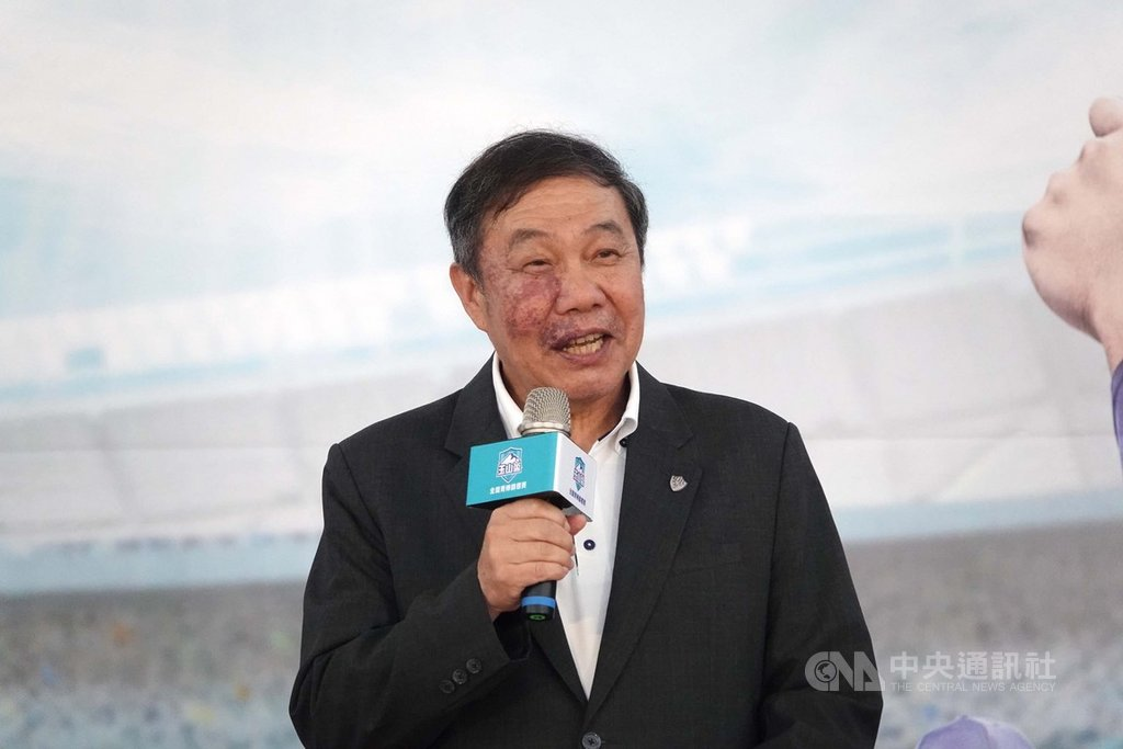 國立台灣體育運動大學校長林華韋(圖)被媒體影射涉入工程弊案,林華韋表示,將走司法途徑維護學校與個人清譽,並於19日召開校內說明會。中央社記者謝靜雯攝 109年5月18日
