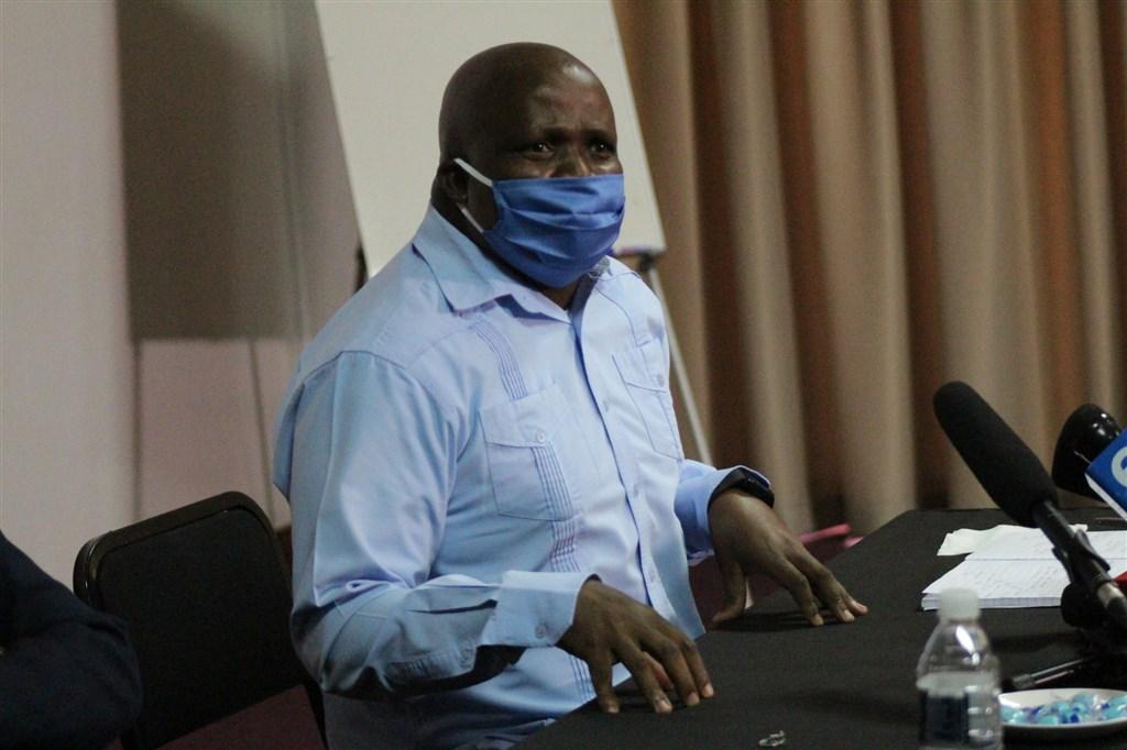 支援南非武漢肺炎抗疫的217名古巴醫護人員18日將與南非醫護人員並肩作戰,西北省衛生局長山姆巴沙(圖)表示歡迎。(圖取自twitter.com/NWPGOV)