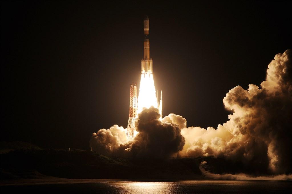 日本雖受疫情影響,但負責國際太空站運補工作的「白鸛」無人太空船21日排除萬難順利升空。(圖取自日本宇宙航空研究開發機構網頁jda.jaxa.jp)