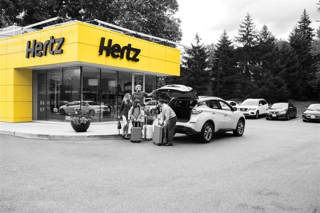 擁有逾百年歷史的美國汽車租賃公司赫茲受疫情影響,22日宣布已在美國和加拿大聲請破產保護。(圖取自twitter.com/Hertz)