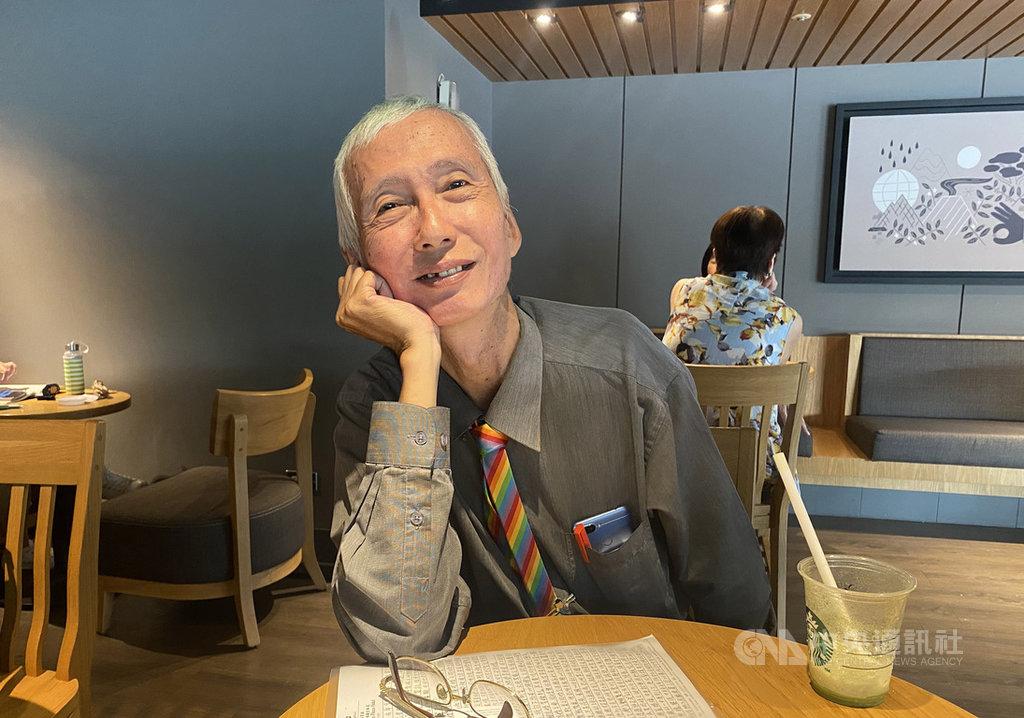 台灣同性婚姻合法滿週年,同志運動先驅祁家威接受中央社專訪時表示,同婚過關後並沒有如反同方所說的造成社會撕裂及危害,未來反同人數勢必越來越少。中央社記者吳欣紜攝 109年5月24日