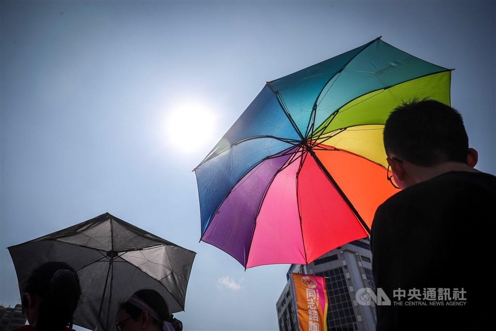 台灣同婚合法後,雖讓同志可以結婚,但與傳統「一夫一妻」觀念衝突,「同志」在許多家庭或親友中仍屬禁忌話題。 (中央社檔案照片)