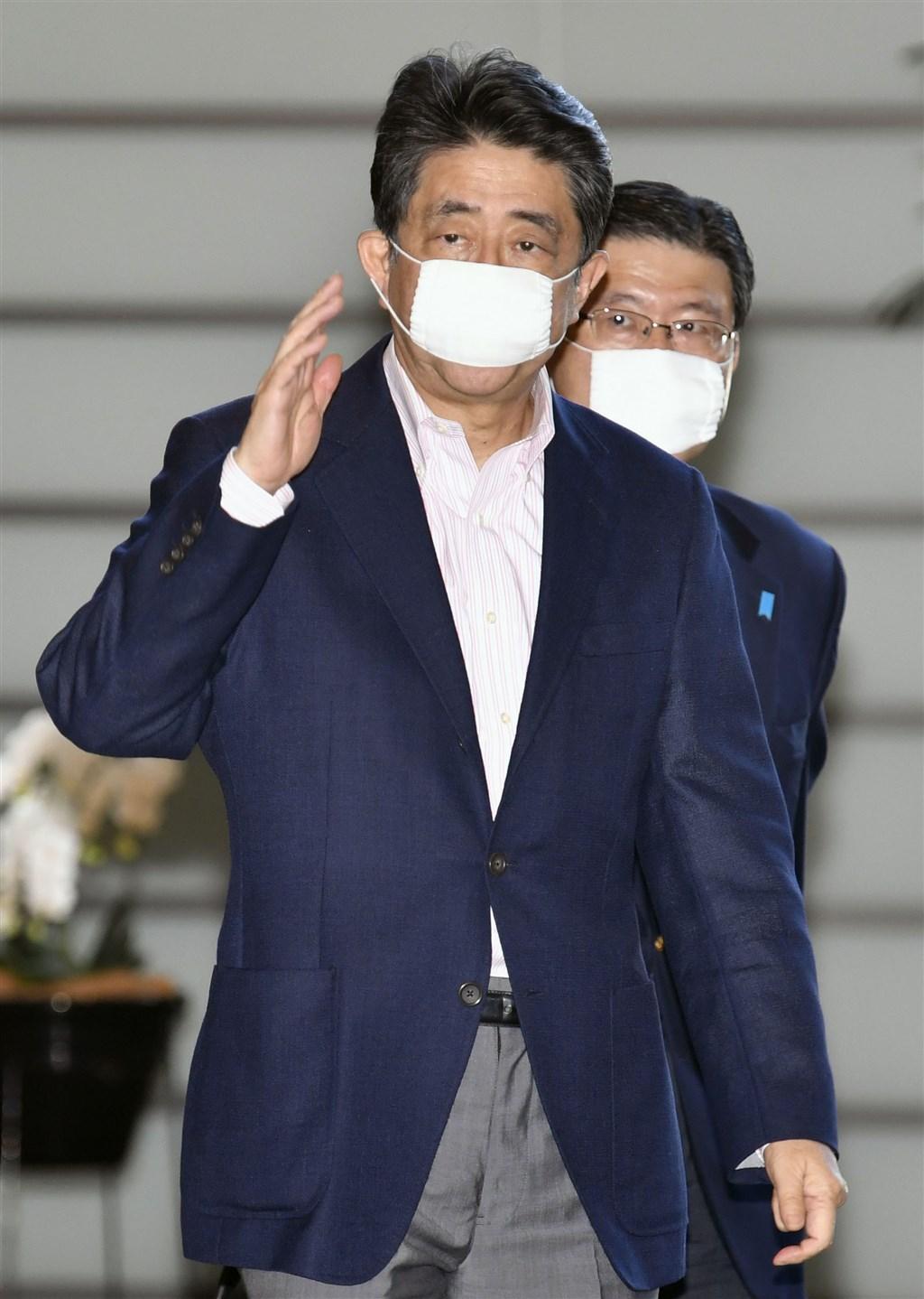 日本朝日新聞最新民調顯示,首相安倍晉三(前)內閣支持率29%,創2012年12月執政以來新低點。(共同社提供)