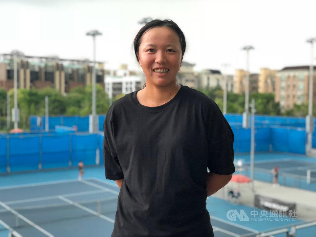 台灣網球女雙組合李亞軒(圖)與吳芳嫻首度打進今年初澳網會內賽,兩人也留下深刻印象,更約定今年底再打外卡賽,力拚澳網會內賽門票。中央社記者黃巧雯攝 109年5月26日