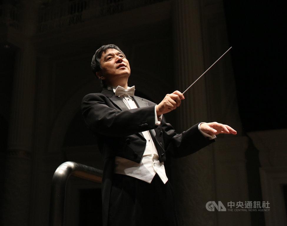 國立台灣交響樂團(NTSO)27日表示,首席客席指揮水藍將規劃2場音樂會,向抗疫英雄致敬,也宣告重回舞台。(國台交提供)中央社記者趙靜瑜傳真 109年5月27日